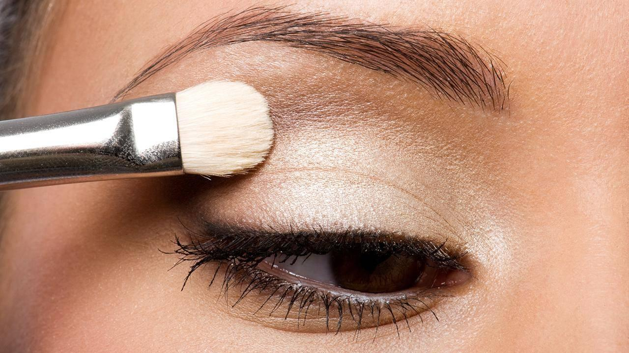 Here's a Trick to Keep Eye Shadow (Especially the Sparkly