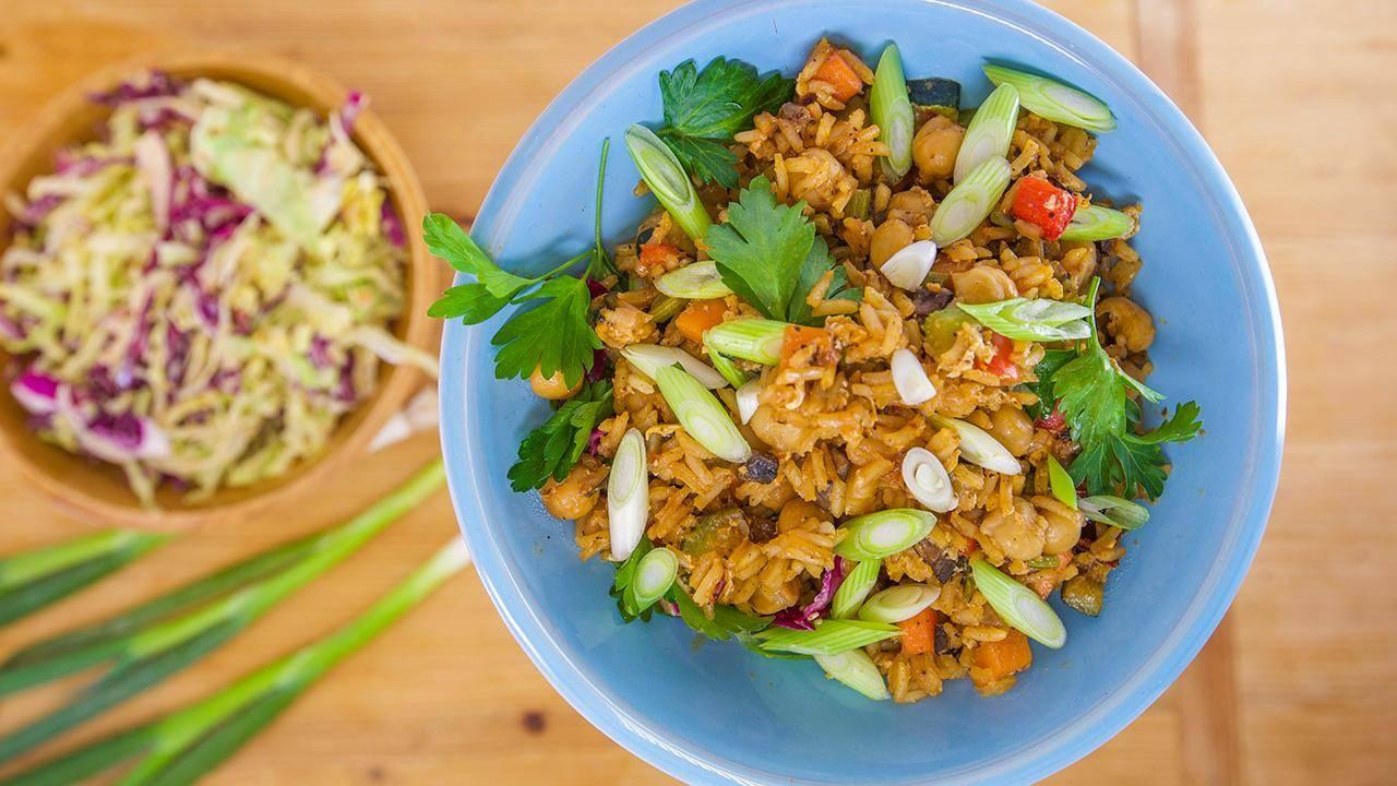 Budget-Friendly Chickpea Fried Rice | Rachael Ray Show