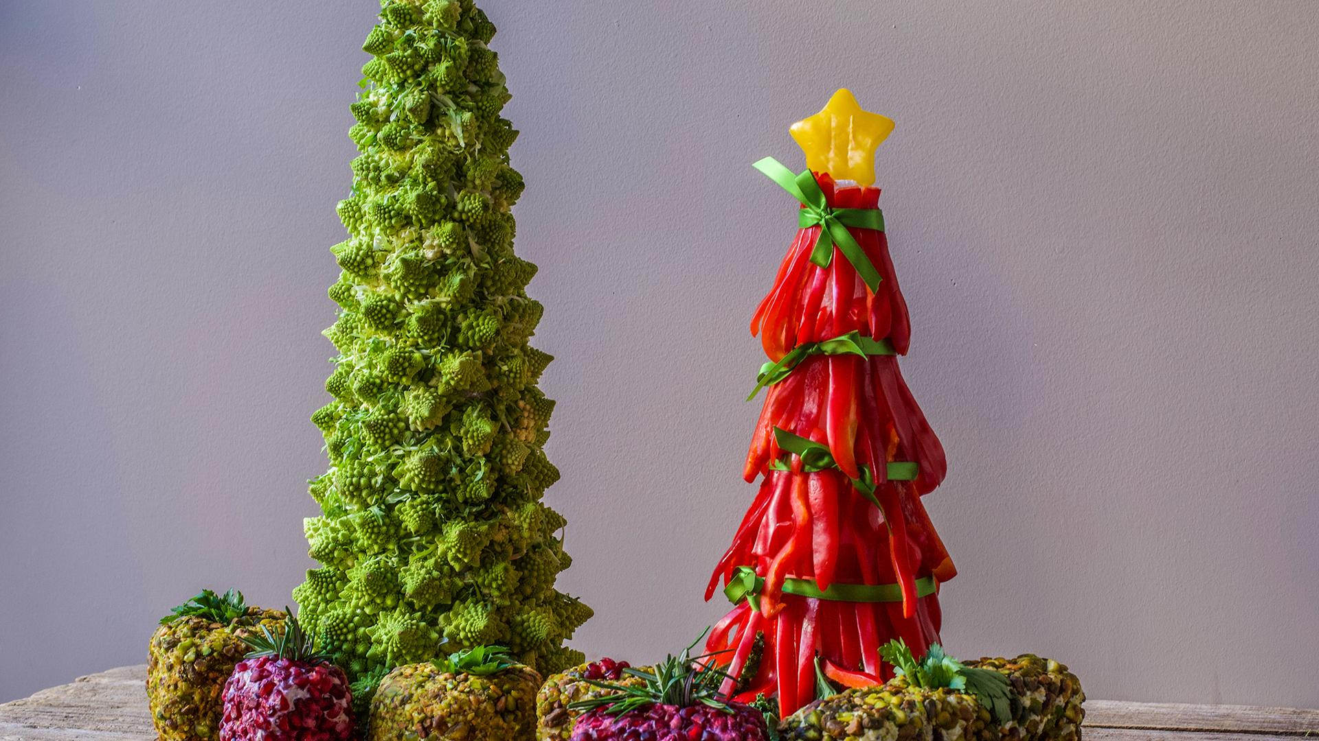 Rachael Ray Show Cheese Balls Christmas 2020 Appetizer Tree: Crudi Tree With Cheese Ball Presents | Rachael Ray