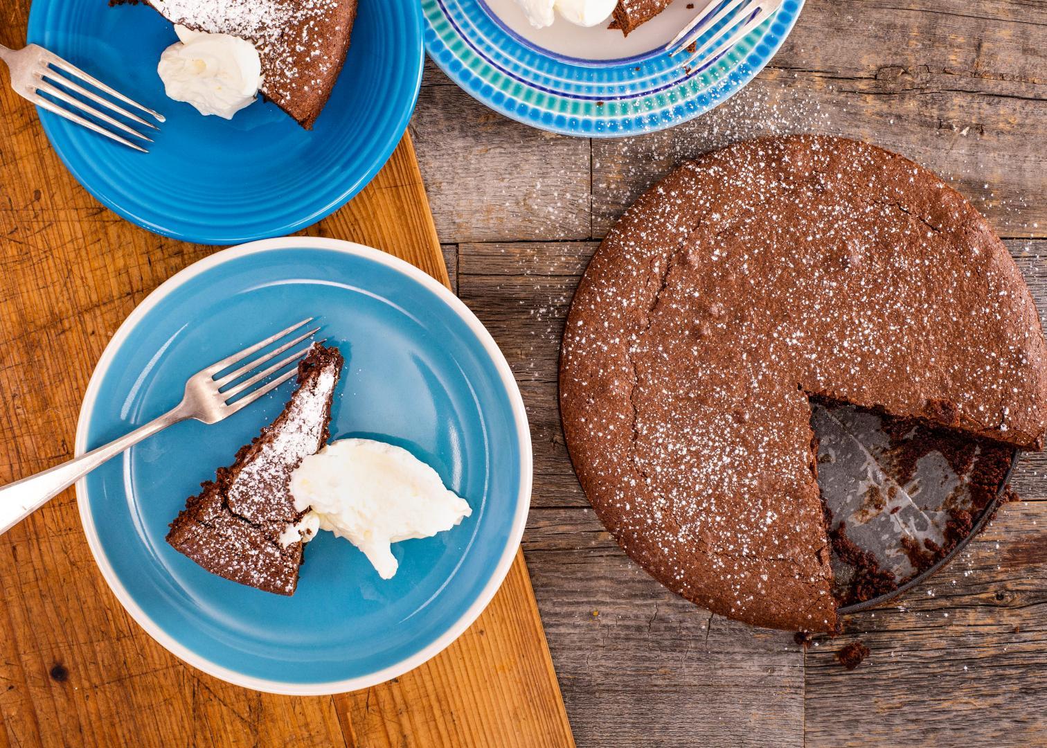 Italian Christmas Cookie Recipes Giada.Giada S Torta Caprese Italian Chocolate Almond Cake