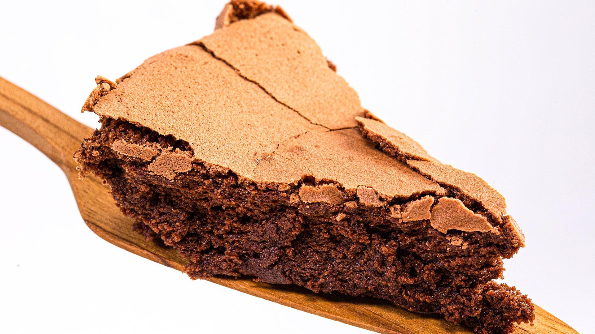 Flourless Chocolate Cake Recipe With Almond Whipped Cream Rachael Ray Show